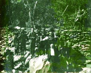 Miguel de Unamuno entre un grupo de hurdanos :: Centro de Documentación de Las Hurdes